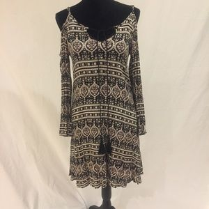 5th and Love dress size medium cold shoulder